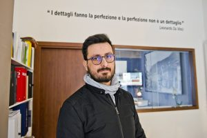 Como Stefano Vicari del negozio L'Arte di via Milano                   ph: Carlo Pozzoni