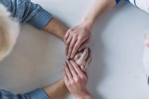 assistenza-donne-mani