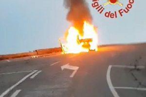 auto-francesi-fiamme-vigili-fuoco