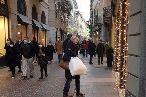 como-natale-strade-luminarie-vittorio-emanuele 2