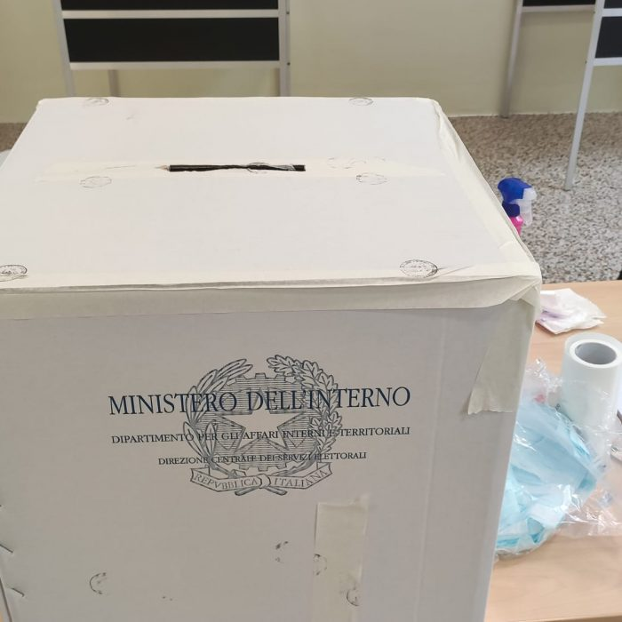 elezioni-referendum-voto-urna (1)
