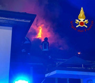 incendio-mariano-vigili-fuoco-1