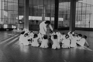 maestra e bambini