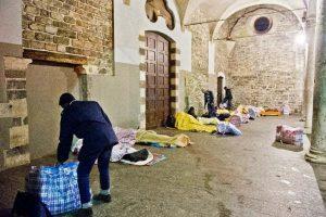 migranti-senzateto-chiesa-san-francesco-emergenza-freddo-11111