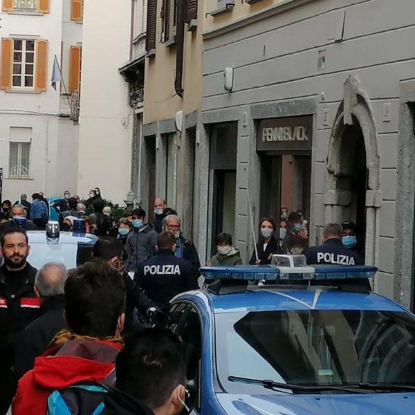 polizia via cesare cantù 1