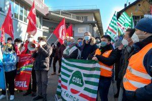 protesta lomazzo henkel (3)