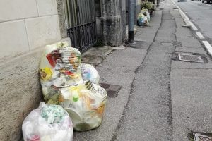 sacchi spazzatura rifiuti