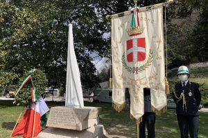 stele monumento covid