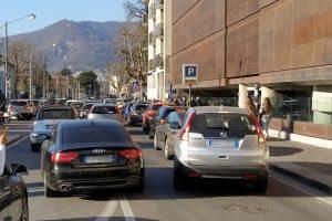traffico-viale-lecco (2)
