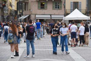 turisti-folla-2-giugno-piazza-duomo-1