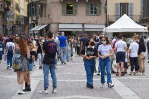 turisti-folla-2-giugno-piazza-duomo-11