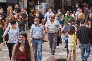 turisti-folla-2-giugno-piazza-duomo