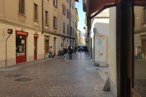 via-bernardino-luini-negozi (11)