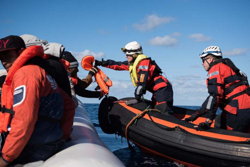 Sea-Watch Rescue; 33 pax rubber boat; Central Mediterranean Sea, 22/12/2018